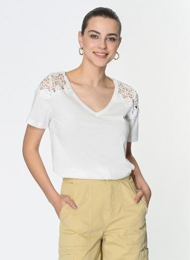 Loves You Kısa Kol Güpürlü Bluz Beyaz